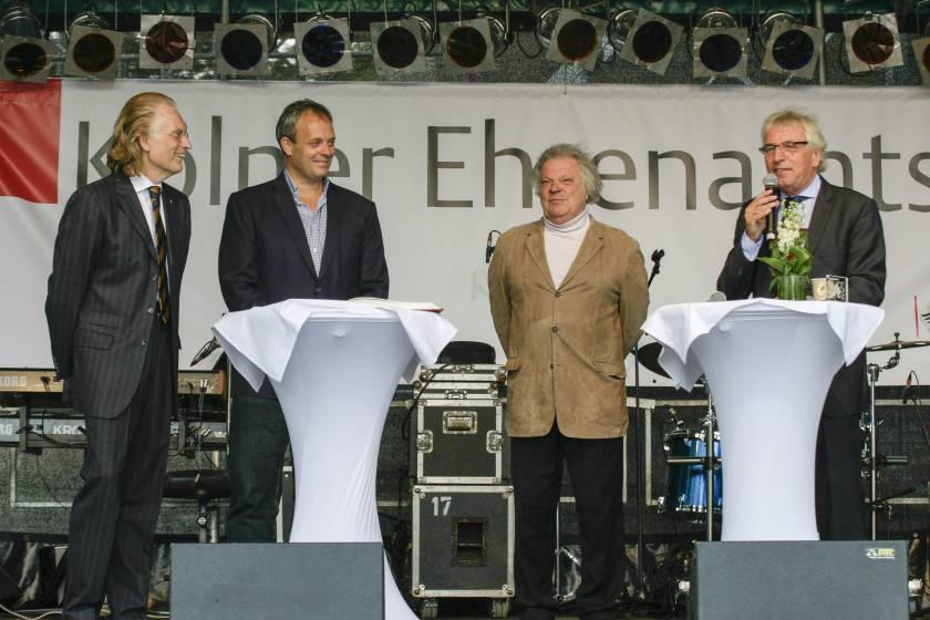 Ehrenamtstag 2015 ; Auszeichnung der Bürgergemeinschaft durch OB Jürgen Roters